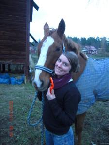 Sara Trygg kom i närkontakt med S-Cut när hon råkade ut för en olycka i hästhagen...